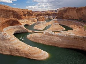 utah-reflection-canyon