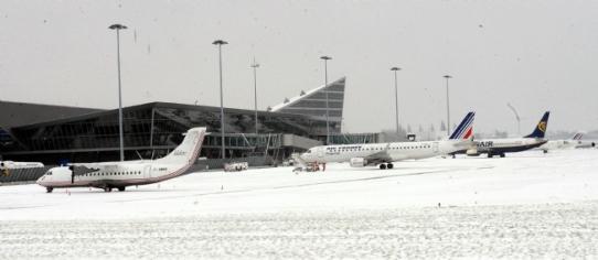 chute-neige-aeroports-222796-jpg_113483